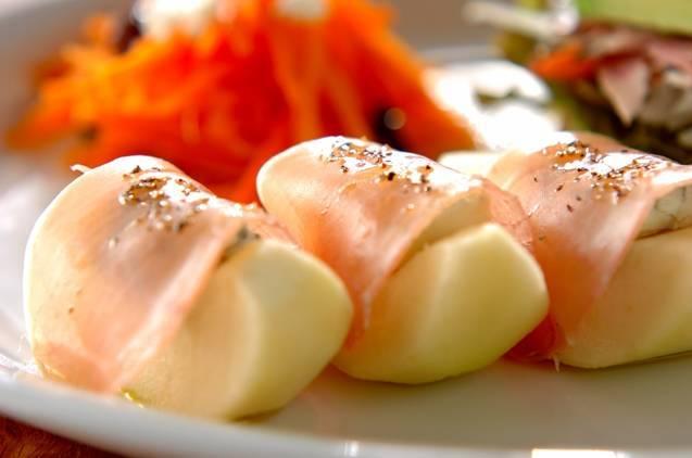 洋ナシとゴルゴンゾーラチーズの生ハム巻き